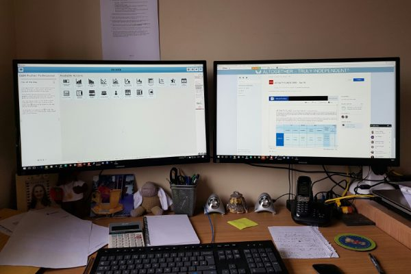 Dual monitors for IFAs